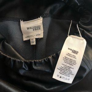 Aritzia Pants & Jumpsuits - Wilfred Free Daria Pant. Black. Size Small.